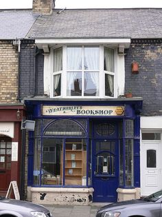 Old Book Shop.  And an apt up top.  Sigh. Why do I not work and live there!!!