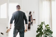 How to Make the Most of a Small Entryway Beautiful Space, Home Organization, Small Spaces, Keys, Wallets, Entryway, Things To Come, Coats, How To Make