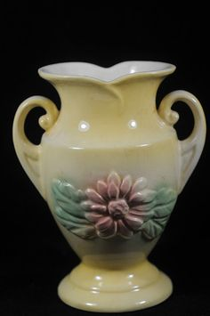 Hull Vase  Wildflower-- pretty collectible for your #valentines flowers! #annswhimsey- Hull  Pottery