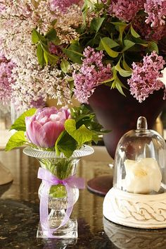 via Purple Chocolat Home: A Floral Shop On My Counter