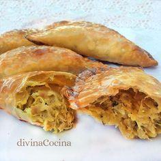 Estas empanadillas de pollo al curry resultan un bocado delicioso, lleno de aromas a especias y con un toque crujiente de frutos secos.
