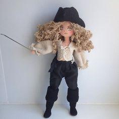 A great horsewoman doll. Crochet Art, Crochet Dolls, Crochet Ideas, Knitted Animals, Amigurumi Doll, Beautiful Crochet, Doll Toys, Art Dolls, Needlework