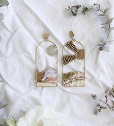 Art Deco Earrings - Statement Earrings/ Dangle Earrings/ Crystal Earrings/ Bridal Earrings/ Bridesmaid Gifts/ Gifts for Her/ Formal Occasion - Fine Jewelry Ideas Wire Jewelry, Beaded Jewelry, Jewelry Box, Jewelry Accessories, Handmade Jewelry, Jewelry Design, Jewelry Making, Jewellery, Seed Bead Earrings