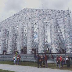 Ein Haus aus Büchern. #Kassel #Documenta #documenta14 Drum herum ist aber mehr geboten. Louvre, Building, Travel, Plaza Design, Kassel, House, Viajes, Buildings, Destinations