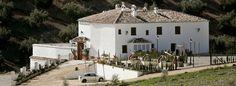 El cortijo es un tipo de hábitat rural característico de Andalucía, La Mancha y Extremadura; con zona de vivienda y otras dependencias para la explotación agrícola. Suelen encontrarse aislados en el campo y alejados de las poblaciones.