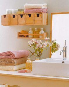 Home Sweet Home Einrichtungsideen fürs kleine Badezimmer holz regal