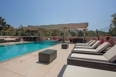 Celebrity home tour - Rihanna's former Pacific Palisades home. A massive pool and sundeck fit for a queen.