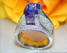 Tansanit Ring mit Brillanten & Diamanten