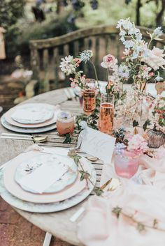 Romantic Table Scape Pink & Rose Gold // Disney Princess Bride Sleeping Beauty Inspired Wedding With Opulent Florals And Bride In Blush Pink With Images From Rebecca Carpenter Photography Sleeping Beauty Wedding, Disney Sleeping Beauty, Wedding Beauty, Best Wedding Blogs, Wedding Trends, Wedding Designs, Wedding Table, Diy Wedding, Wedding Flowers
