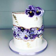 decorating tutorials FAULT LINE CAKE Sugarella Sweets cake decorating recipes kuchen kindergeburtstag cakes ideasCake decorating tutorials FAULT LINE CAKE Sugarella S. Cake Decorating Techniques, Cake Decorating Tutorials, Decorating Ideas, Sweets Cake, Cupcake Cakes, 3d Cakes, Fondant Cakes, Beautiful Cakes, Amazing Cakes