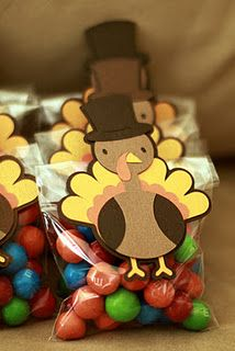 Turkey Treat Bags using wooden clothes pins