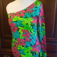 Lilly Pulitzer NWT Whitaker Dress Size Medium One shoulder Lilly dress style#91413,  made of 52% silk and 48% cotton. Never worn tags attached. Not a tight dress, just mildly clingy Lilly Pulitzer Dresses One Shoulder
