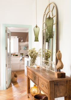 Entrance hall with wooden sideboard, mirror with quarter panels and green hanging lamps 00454982 Entryway Bench Storage, Entryway Furniture, Entryway Tables, Entryway Ideas, Hall Deco, Pottery Barn Entryway, Home And Living, Living Room, Photo Deco