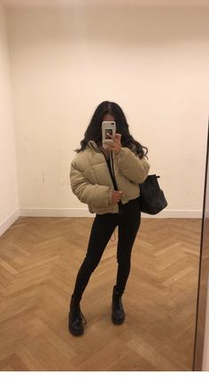winter outfits for school Black pants, jacket for - winteroutfits Winter Mode Outfits, Winter Fashion Outfits, Look Fashion, Stylish Outfits, Fall Outfits, Cute Outfits, Outfits Pantalon Negro, Outfit Elegantes, Pullover Mode