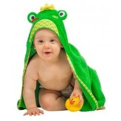 Zoocchini Baby Bath Towel - The Flippy the Frog hooded towel brings some extra fun to bath and swim time. Pushchair Travel System, Nursery Dresser, Baby Bath Toys, Baby Washcloth, Baby Towel, Costume, Baby Deer, Baby Boutique, Washing Clothes
