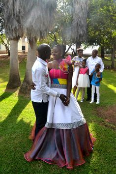 Bildergebnis für Mid Driff Fashions African Wedding - Home Page Sepedi Traditional Dresses, Traditional Wedding Decor, African Traditional Wedding, Couples African Outfits, African Attire, African Wear, African Wedding Dress, African Print Dresses, African Dress