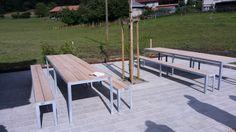Tisch mit Bank für Aussenbereich. Behandlung: feuerverzinkt. Stabil.
