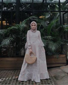 New fashion hijab style simple abayas ideas Kebaya Muslim, Kebaya Hijab, Kebaya Dress, Muslim Dress, Hijab Gown, Hijab Dress Party, Hijab Style Dress, Casual Hijab Outfit, Trendy Dresses