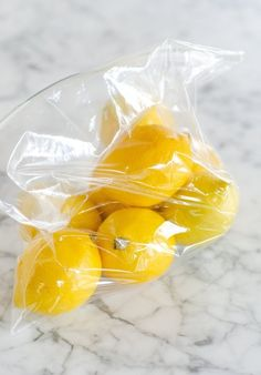 The Best Way to Keep Lemons Fresh for a Whole Month — Tips from The Kitchn. Lemons should be sealed in a plastic bag in the fridge. they will last up to a month when stored this way. Cooking Recipes, Healthy Recipes, Cooking Hacks, Healthy Food, Easy Cooking, Delicious Recipes, Chutneys, Lemon Recipes, Asian Recipes