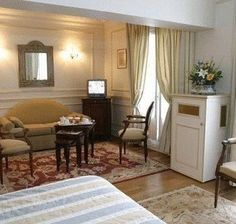 Hôtel du Rond-Point des Champs-Elysees - 4 Star #Hotel - $250 - #Hotels #France #Paris #8tharr http://www.justigo.eu/hotels/france/paris/8th-arr/du-rond-point-des-champs-elysees_62998.html