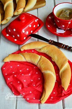 Ciabatta, Bread Rolls, Bread Recipes, Watermelon, Food Photography, Paleo, Cooking, Breakfast, Brot
