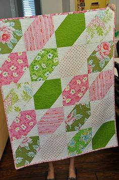 quick, simple quilt: Me likey! Would look great with #vintagesheets