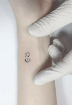 simple tattoos for women \ simple tattoos . simple tattoos with meaning . simple tattoos for women . simple tattoos for women with meaning . simple tattoos for women unique Mini Tattoos, Trendy Tattoos, Tattoos For Guys, Flower Tattoos, Hot Tattoos, Simple Tattoos For Girls, Sister Tattoos, Small Shoulder Tattoos, Small Wrist Tattoos