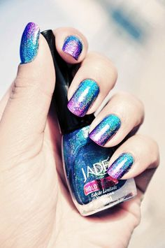 I love the colour blend! lavender blue nails & 21 Cool Nail Art Ideas