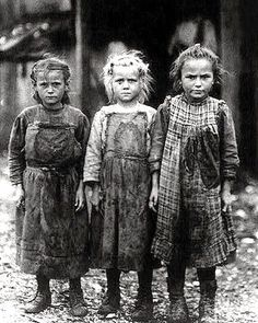 1930s Oyster shuckers, Children of The Great Depression