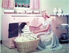 Oh to go back in time and be a 1950's housewife! lol :)