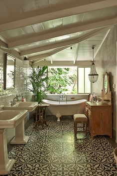 Best tropical bathroom decor ideas & designs tips 1 Dream Home Design, My Dream Home, Home Interior Design, Interior Decorating, Küchen Design, Design Case, Style At Home, Dream Apartment, Aesthetic Rooms