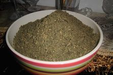 My Latest Remedy for Cancer: Loofah leaves and zatar mix. Contains Palestinian luffe, organic oregano, black seeds, sesame seeds, whole wheat kernels and my ultimate best extra virgin olive oil. Nigella Sativa, Middle Eastern Recipes, Jar Gifts, Spice Blends, How To Make Homemade, How To Dry Basil, Remedies, Cancer, Spices