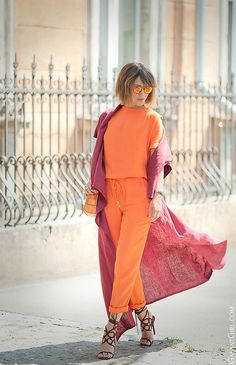 Galant Girl Orange And Red Mixing Summer Outfit Look Kimono, Kimono Outfit, Colourful Outfits, Colorful Fashion, Hijab Fashion, Fashion Outfits, Womens Fashion, Look 2018, Look Chic