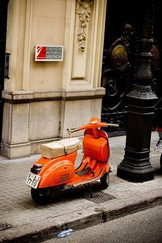 Luxury sport car orange vespa in Valencia Sports Cars Lamborghini Piaggio Vespa, Lambretta Scooter, Vespa Scooters, Ferrari, Lamborghini, Triumph Motorcycles, Fiat 500, Vw Bus, Ducati