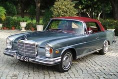 1970 Mercedes Convertible Nicest color combo ever? Mercedes Benz Coupe, Mercedes Auto, Mercedes Maybach, Old Mercedes, Mercedes G Wagon, Classic Mercedes, Benz Car, 1959 Cadillac, Retro Cars