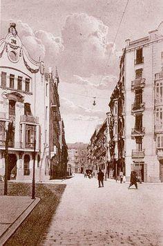 """Calle de Pizarro. Edificio conocido por la """"finca de las rosas"""" de peculiar modernismo. #Valencia Moma, Time Travel, Nostalgia, Barcelona, Tours, Modernism, Frases, 21st Century, Antique Photos"""