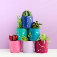 Colorful Gradient Planter Indoor or Outdoor Planter choose   Etsy Large Ceramic Planters, Cement Planters, Outdoor Planters, Planter Pots, Gold Planter, Concrete Pots, Succulent Planters, Memphis Design, Flower Vases