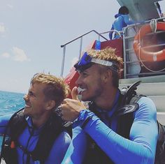 #australia #diving #great #barrier #reef #greatbarrierreef #cairns #searching #for #nemo #finally #found #him #and #Dori #aswell #happy #gipsylife #keepsmile #smile #thumbsup #blue #man #group #ocean #twins by jannischliesing http://ift.tt/1UokkV2