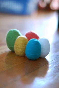 Huevos forrados con lana