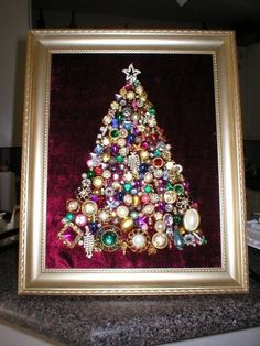 Christmas tree - buttons, old jewelry, rhinestones and anything that sparkles! - Before After DIY Christmas Jewelry, Christmas Art, Christmas Projects, Christmas Ornaments, Jeweled Christmas Trees, Xmas Tree, Vintage Jewelry Crafts, Jewelry Tree, Bead Jewelry