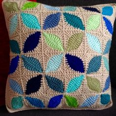 Kawung motif cushion cover inspired by Atty's Love for Crochet pattern Crochet Cushion Pattern, Cushion Cover Pattern, Crochet Pillow, Crochet Motif, Crochet Designs, Crochet Flowers, Blanket Crochet, Crochet Granny, Crochet Home