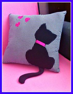 Pillow Crafts, Fabric Crafts, Cat Crafts, Diy Home Crafts, Easy Sewing Projects, Sewing Crafts, Crochet Cushion Cover, Cushion Cover Designs, Cat Quilt
