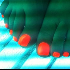 WOW, Orly melt your popsicle really glows on toes! By Scratch Dollface Beauty Tips, Beauty Hacks, Nail Ideas, My Nails, Nail Designs, Glow, Nail Art, Summer, Summer Time