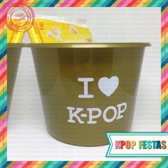Baldinho de Pipoca I Love Kpop K Pop, Pop Kpop, Planter Pots, Bts, Popcorn Bucket, Party, K-pop Music, Plant Pots