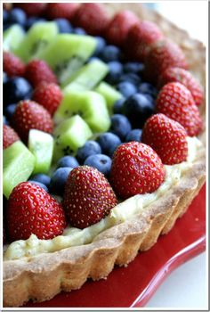 Vanilla and almond fresh fruit tart recipe