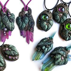 I've added these cool new pieces into my Etsy-store, link in profile. Each piece is hand sculpted and -painted, and one of a kind. #rawcrystals #fantasyjewelry #thegreenman #fantasynecklace #etsyseller #eyeballnecklace #lumissaspurpleoctopus #elvenjewelry #elven #gothicboho #colorfulstones #handmade #ooak #fantasyforest
