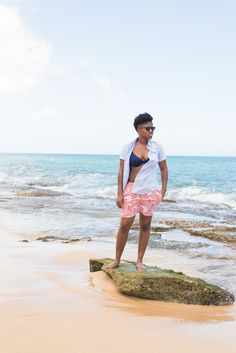 Beach time in my Men's Short Sleeve Oxford Shirt- Uniqlo  #fall #outfits #nyc #falloutfits #puerto #rico #dapper #lgbt #queer #fashion #style #dapperq #dapperpenniless #ootd #menswear #womenswear #summer #blog #uniqlo #brands #black #hair #taperedfro