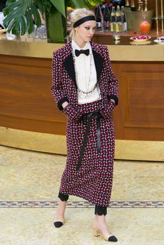 A look from the Chanel Fall 2015 RTW collection.