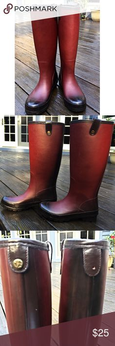 Lucky Brand Tall Rain Boots These pre-loved rain boots are awesome! Perfect for those slushy snow days. These tall rubber boots are ombré style with maroon in the front fading to black in the back and on the bottom. They have some great Luck Brand buckles, but they are missing on a button in the back. They also have a a few spots and scuffs. See the pics for example of spots and missing button. 💜they look new from far away, so take advantage of the deal! Lucky Brand Shoes Winter & Rain…
