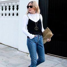 t-shirt-turtleneck-calca-jeans